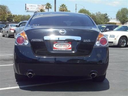 2011 Nissan AutoBuying.Model.ItemDB.Website.Item