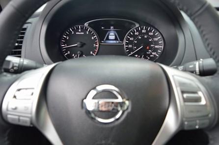 2017 Nissan AutoBuying.Model.ItemDB.Website.Item