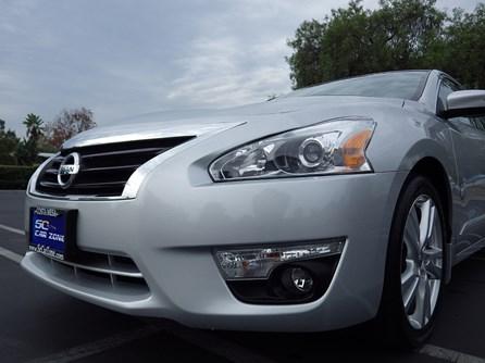 2013 Nissan AutoBuying.Model.ItemDB.Website.Item